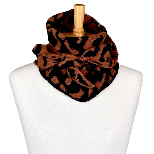 THSS2070: Brown: Reversible Triangle Leopard Print